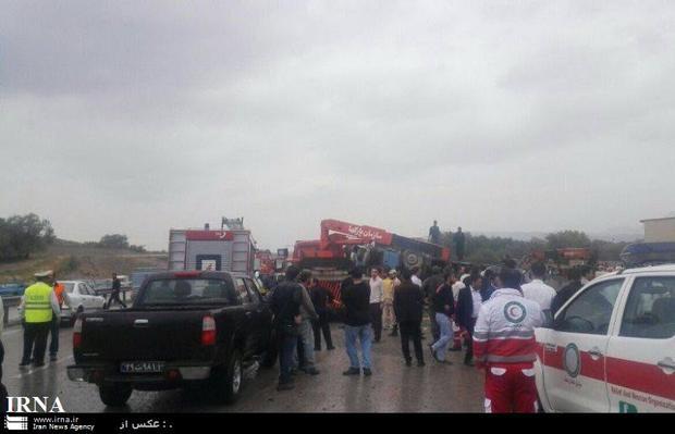 فوتی های حادثه واژگونی اتوبوس در تبریز به سه نفر افزایش یافت