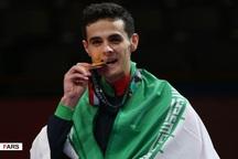 حسینی مدال طلای خود را به شهدای مدافع حرم تقدیم کرد