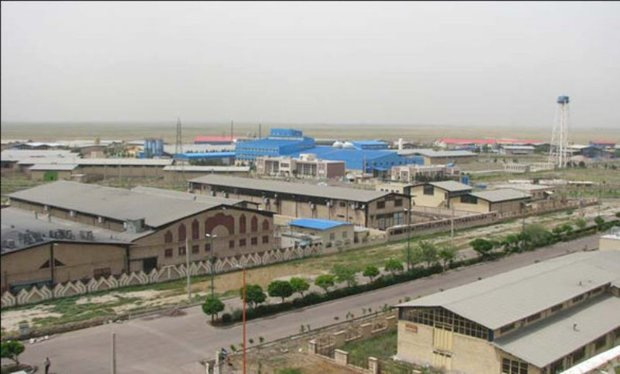 پروانه بهره برداری از شهرک صنعتی ماهدشت البرز اعطاء شد
