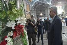 وزیر نیرو با آرمان های والای امام راحل تجدید میثاق کرد