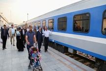 سه رام قطار مسافران را به جمکران منتقل می کند