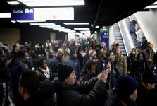 اعتصاب کارکنان و ترس دولت فرانسه ازعدم توزیع سوخت