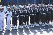 نمایش سامانه موشکی بومی »مرصاد» و «شلمچه» در رژه ارتش اصفهان