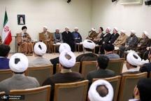 رهبر معظم انقلاب: حوزه علمیه قم برای ابهامها و مشکلات دینی راهحل داشته باشد