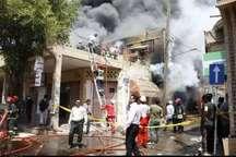 مصدومیت هشت آتش نشان در حادثه آتش سوزی پاساژ رضوان اهواز