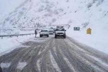 بارش برف جاده کرج -چالوس را لغزنده کرد
