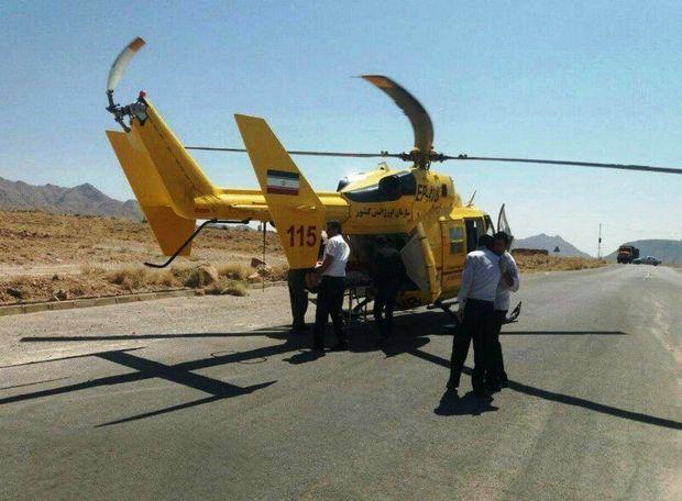 بالگرد اورژانس، جوان آسیبدیده را از مهریز به یزد منتقل کرد