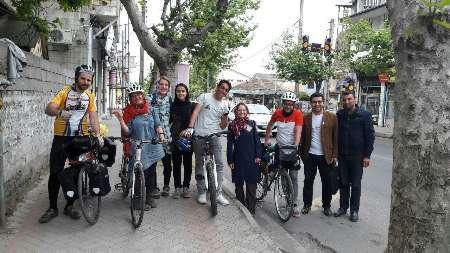 دوچرخه سواران خارجی: ایرانیان مهربان و میهمان نواز هستند