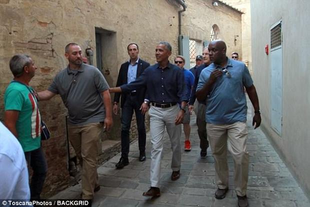 عکس/ گردش اوباما بدون میشل