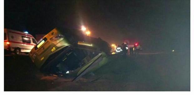 واژگونی اتوبوس و تریلر در البرز یک کشته و 13 مصدوم داشت
