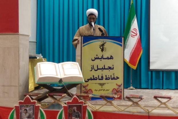 مزیت انقلاب اسلامی توجه به قرآن در کنار سایر آرمان ها بود