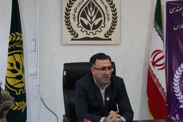 بوروکراسی، راه توسعه کشت گلخانه ای در فارس را سد کرده است