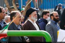 تصاویر حضور دو فرزند رهبر معظم انقلاب در راهپیمایی 22 بهمن