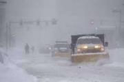 ریزش برف گردنه اسدآباد را مسدود کرد