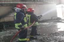 یک سوله در شهرک صنعتی شماره سه اهواز دچار آتش سوزی شد