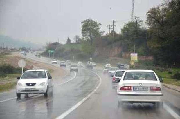 اغلب جاده های استان یزد لغزنده است