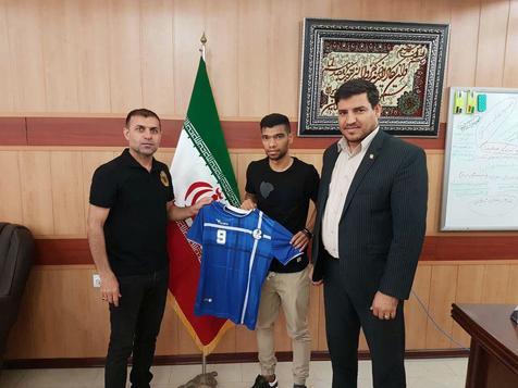 بازیکن نفت تهران به آبی های خوزستان پیوست