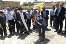 بنیاد برکت ساخت چهار مدرسه در رزن را کلید زد