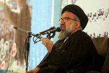 ملت ایران ضعیف شدنی نیست