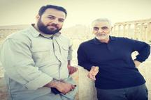 خبرنگار صدا و سیما در کنار سردار سلیمانی در کنار آثار باستانی سوریه + تصویر