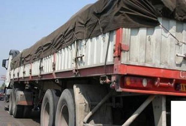 نیم تن کود کشاورزی قاچاق در تاکستان کشف شد