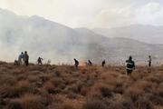 جلوگیری از سرایت آتش سوزی به مراتع مرزی مهران