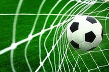 10 بازی در نخستین روز رقابت های فوتبال دانش آموزی برگزار شد
