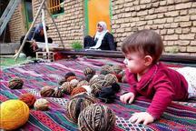 مسوولان اردکان بر ضرورت حمایت از صنایع دستی تاکید کردند