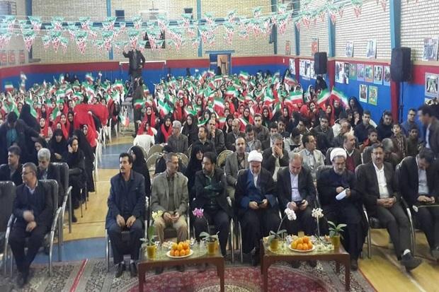 40 دانش آموز برتر مدارس شاهد قزوین تجلیل شدند