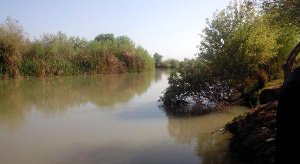 هشدار مدیرکل بحران خوزستان نسبت به نشت نفت به تالاب هورالعظیم
