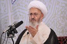 انقلاب اسلامی قرآن را به متن بشریت آورد