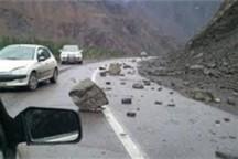 ریزش کوه در جاده کاشمر - کوهسرخ یک مجروح برجای گذاشت