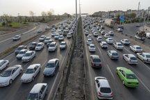 ترافیک در جاده های همدان پرحجم و روان است