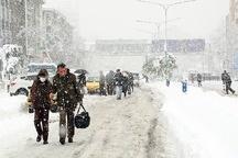 آمادگی شهرداری برای مقابله با بارش برف احتمالی  پاکسازی معابر و شریانهای اصلی در اولویت شهرداری رشت