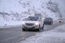 برف و باران جاده های کردستان را فرا گرفته است