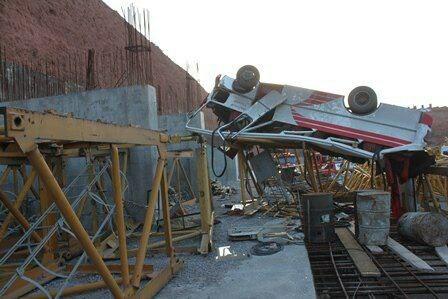 واژگونی یک دستگاه مینی بوس در تبریز