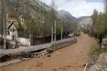 ساخت و سازهای غیرمجاز در بستر رودها باید تخریب شود