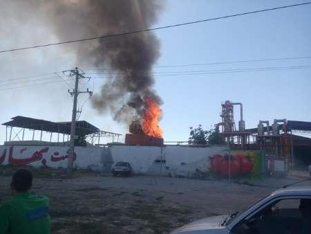 آتش سوزی در کارخانه رب گوجه فرنگی دشت بهار آشخانه  مهار شد