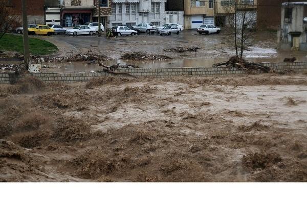 جابجایی مردم شهرهای سوسنگرد، باوی و حمیدیه توسط نیروهای امدادی