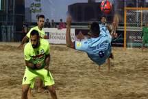 تیم فوتبال ساحلی پیام اردکان از شهرداری بندرعباس شکست خورد