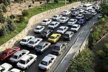تردد سه میلیون خودرو از جاده های همدان
