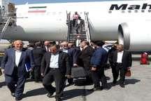 وزیر نیرو به منظور افتتاح چندین پروژه نیروگاهی وارد کرمان شد
