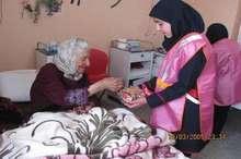 دیدار عیدانه دانش آموزان دختر نظرآبادی با سالمندان