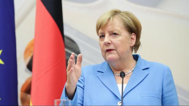 اعتراف صدراعظم آلمان در مورد ضعف اروپا برای مقابله با تحریمهای آمریکا علیه ایران