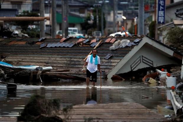 رویارویی مردم ژاپن با بدترین فاجعه 36 سال اخیر + عکس