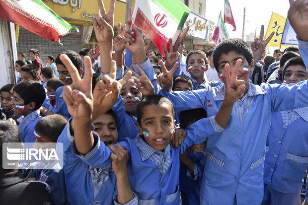 راهپیمایی یوم الله ۱۳ آبان در  استان یزد برگزار شد