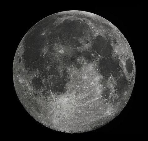 ماه آفتابسوخته شد! + عکس