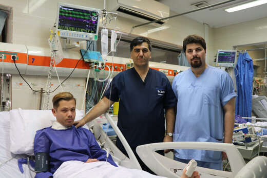 جراحی ضایعه نادرعروق گردنی جوان گلوگاهی در بیمارستان آیت ا.. روحانی بابل