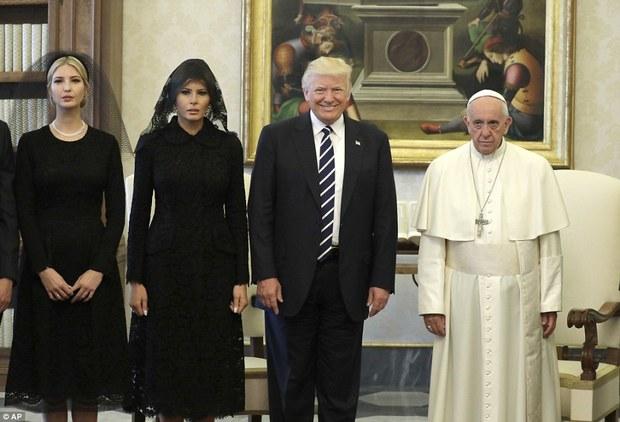دختر و همسر ترامپ روسری سر کردند+ تصاویر