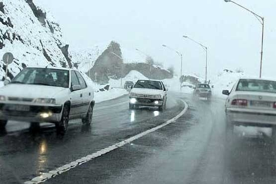 تردد در محورهای استان کرمانشاه فقط با زنجیر چرخ  ترافیکروان در جادههای استان
